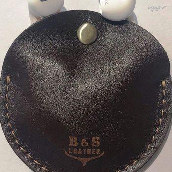 نگهدارنده کابل هندزفری و شارژ دو رو چرم طبیعی – دست دوز مدل DG رنگ قهوه ای B&S Leather